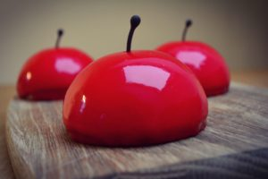 Æbledessert med karamelliserede æbler