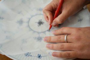 Tegn det musselmalede mønster af på et stykke bagepapir