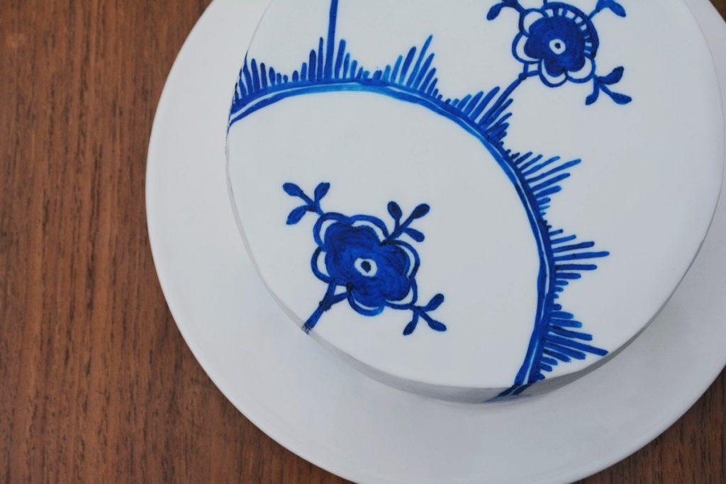 Musselmalet kage med inspiration fra Royal Copenhagen