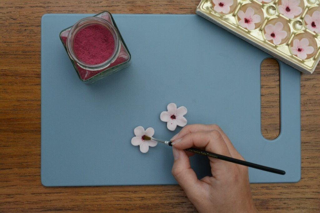 Sådan laver du en kage med et Japansk kirsebærtræ