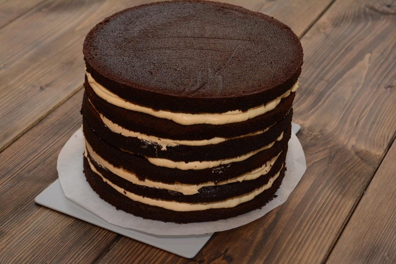 Black naked cake - fines.dk