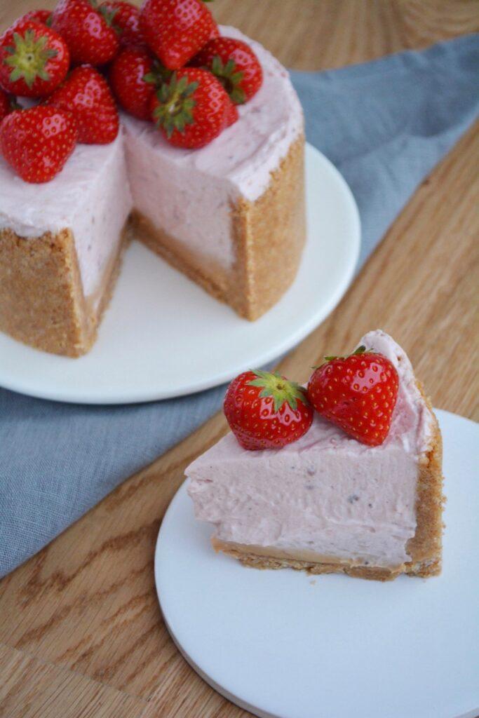 Cheesecake med jordbær og dulcey chokolade