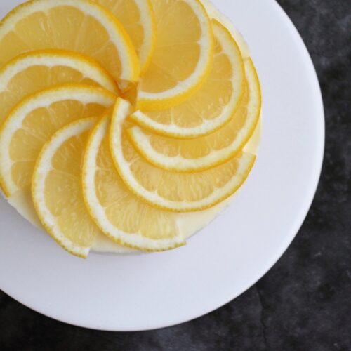 Cheesecake med citron, lakrids og hvid chokolade